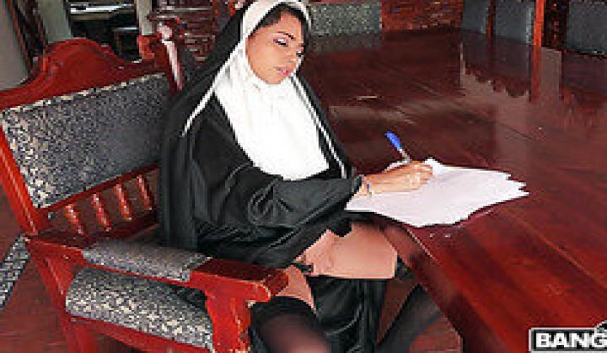 nonnen werden gefickt